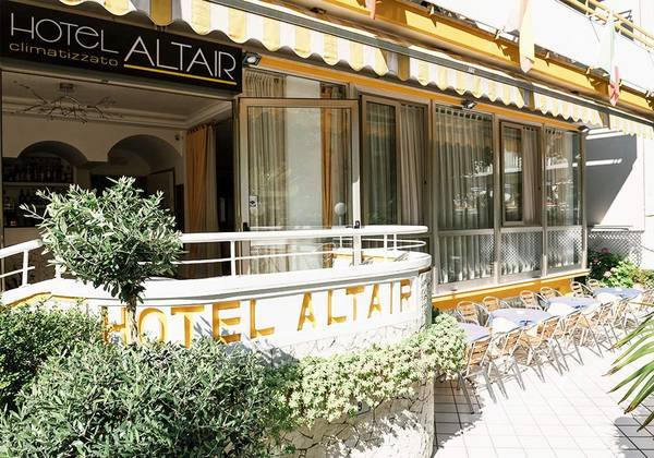 Hotel Altair - Outside