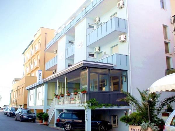Hotel Adria Mare - Aussenansicht