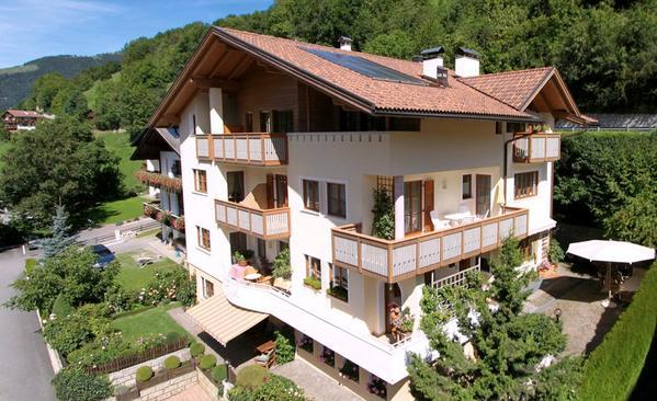Residence Tirol - pogled od zunaj