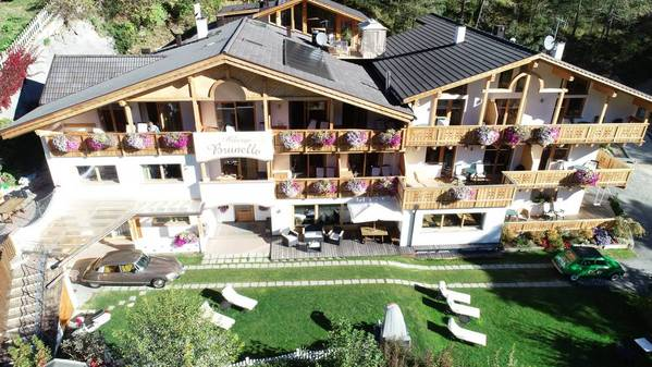 Hotel Brunello - pogled od zunaj