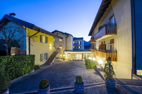 Hotel Lucia - pogled od zunaj