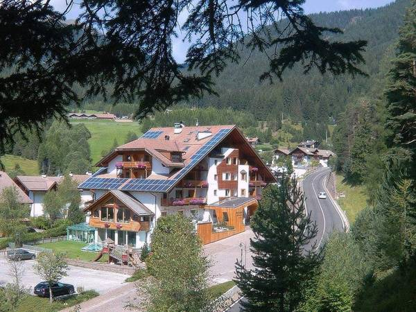 Berghotel Miramonti - Aussenansicht