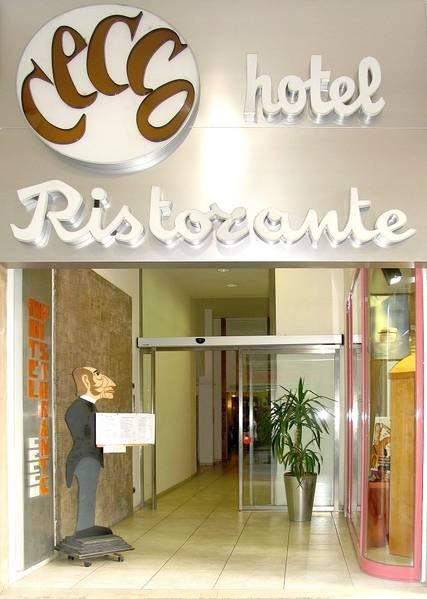 Hotel Ristorante Cecco - Aussenansicht