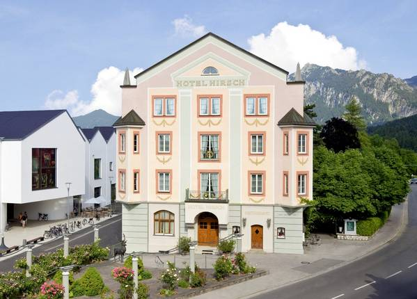 Hotel Hirsch - Outside