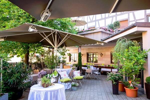 Hotel-Landgasthof Weisses Lamm - Outside