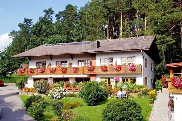 Waldpension Ferienwohnungen & Gästezimmer - Aussenansicht