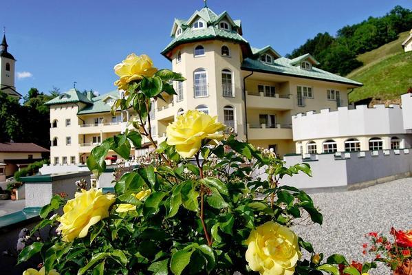 Hotel Schlössl am Haimingerberg - Aussenansicht