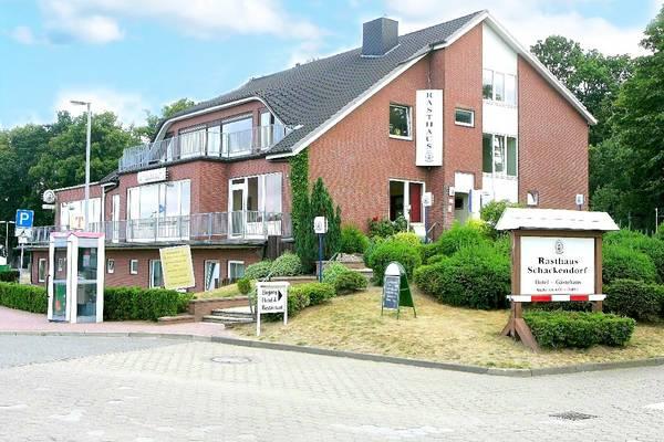 Land-gut-Hotel Rasthaus Schackendorf - Aussenansicht