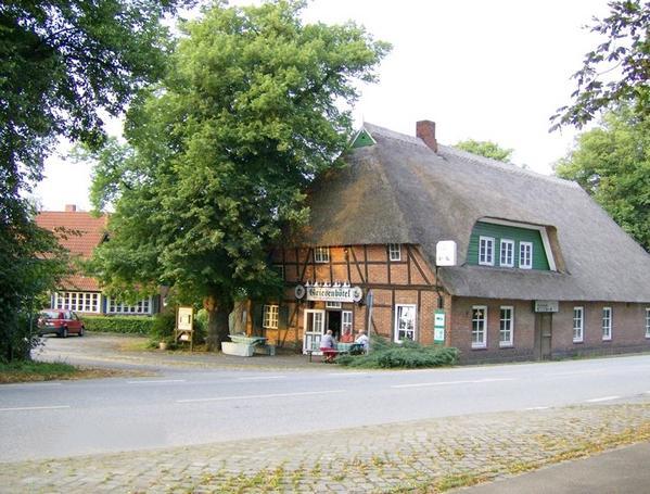 Landgasthof Gästehaus Griesenbötel - Outside