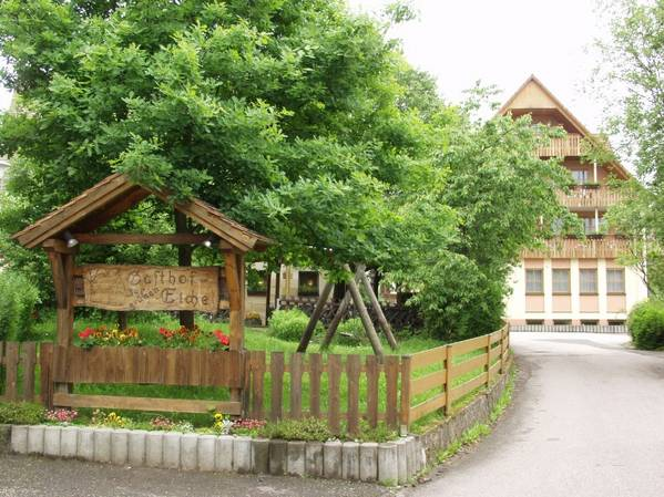 Gasthof Zur grünen Eiche - Outside