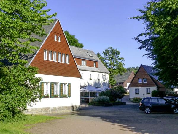 Gasthaus Lockwitzgrund Hotel & Restaurant - Outside