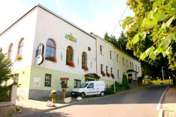Gaststätte u. Pension Waldfrieden - Outside