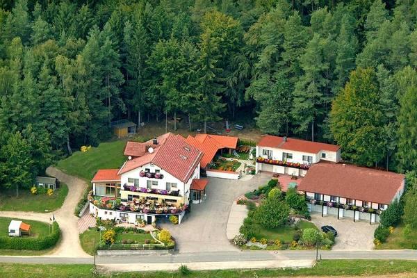 Landhotel Waldesruh - buitenkant