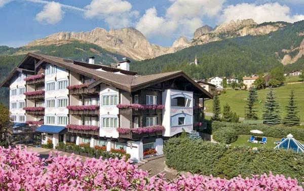 Alpen Hotel Corona  - Aussenansicht