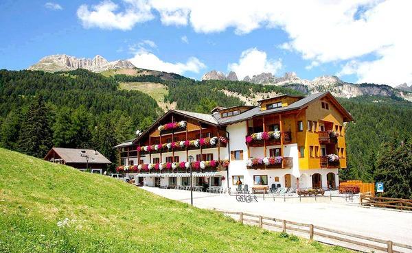 Hotel Gran Mugon - Aussenansicht