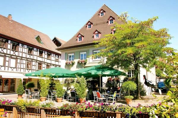 Hotel-Gasthof Schwarzer Adler - Aussenansicht