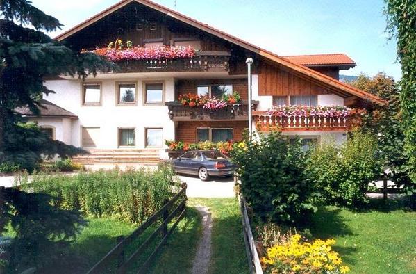 Ferienwohnungen Haus Renate Danna - Aussenansicht