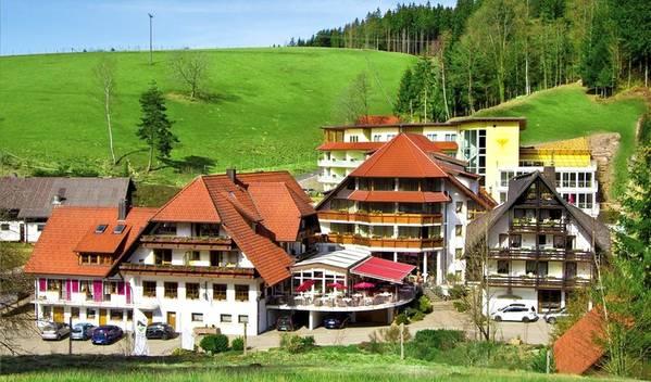 Naturparkhotel Adler - Exteriör