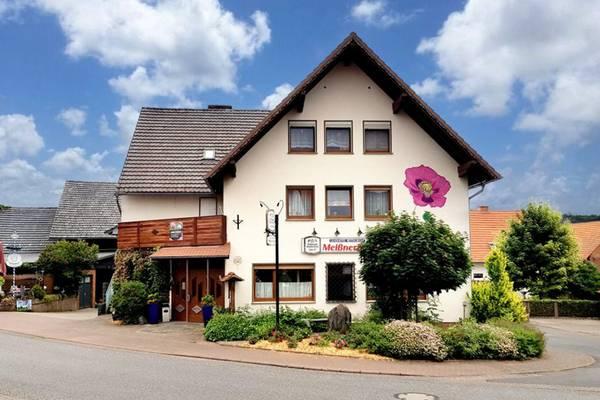Landhotel-Restaurant Meißnerhof - Outside