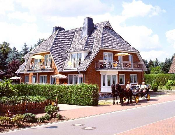 Landhaus Heide Romantisches Heidehotel Garni Nichtraucher - Gli esterni
