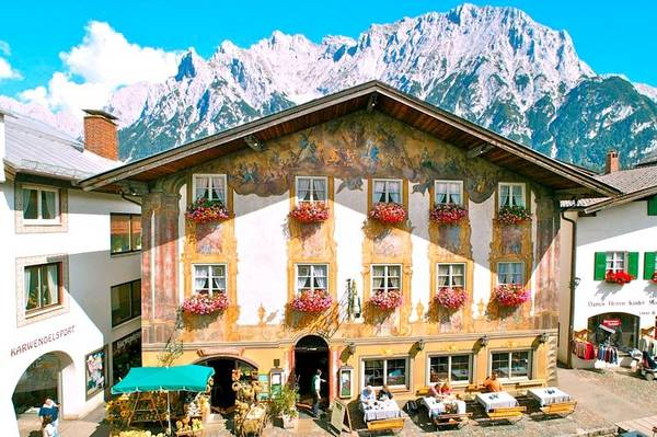 Traditions-Gasthof Alpenrose - Outside