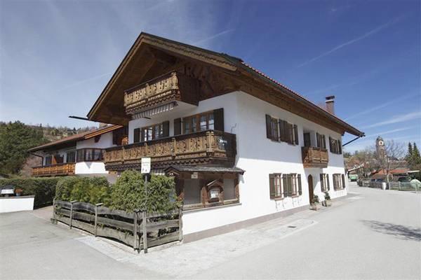 Ferienwohnungen Haus Werdenfels - Outside