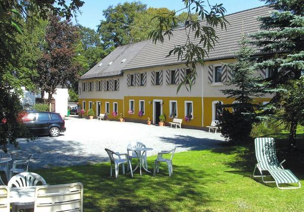 Schloss Issigau Hotel & Campingplatz - Outside