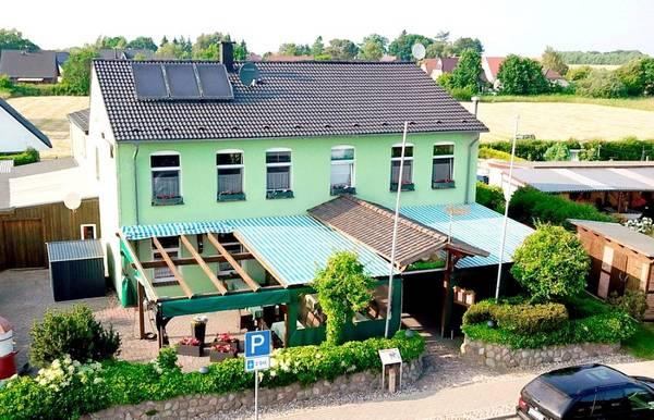 Pension & Gaststätte Am Wiesengrund - Aussenansicht