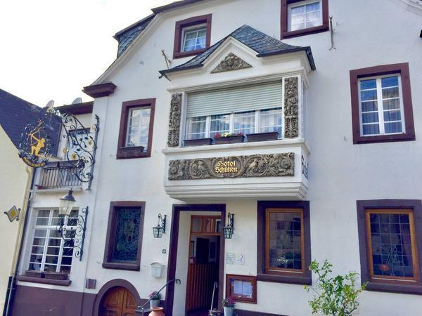 Gästehaus Weingut Schützen - Aussenansicht
