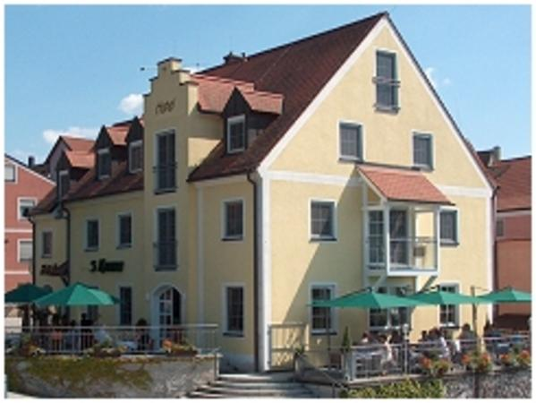 Hotel-Café 3 Kronen - pogled od zunaj