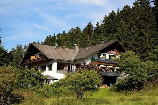 Hotel und Pension zum Paradies - pogled od zunaj