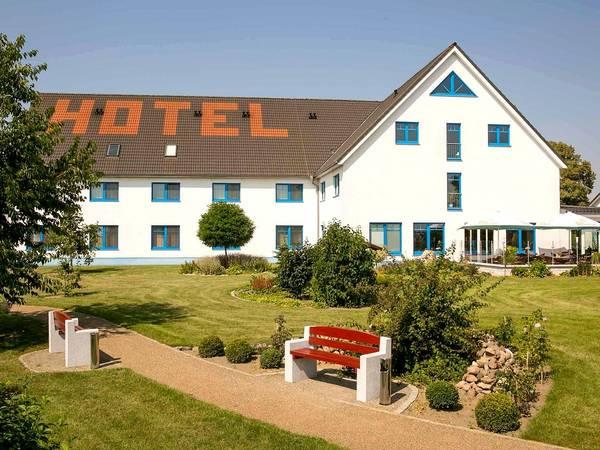 Hotel Pommernland - Vista externa