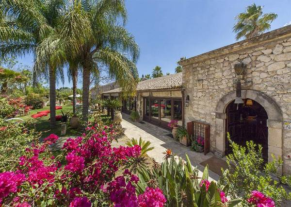 Az. Agrituristica Villa dei Papiri - Vista al exterior
