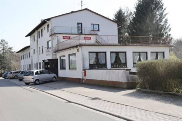Gasthof Pension Odenwald - Outside