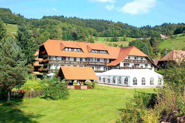 Naturparkhotel Zum fröhlichen Landmann - Aussenansicht