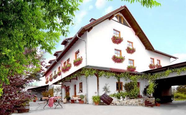 Winzerhotel Weingut Kinges-Kessel - Aussenansicht