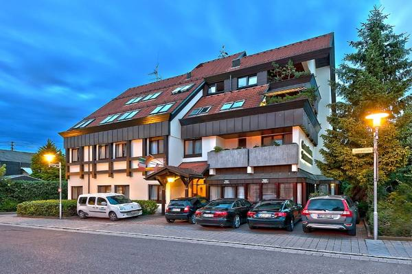 Garni Hotel Schumacher am Stuttgarter Flughafen - Aussenansicht