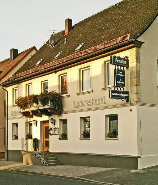 Pension zum Ludwigskanal - Outside