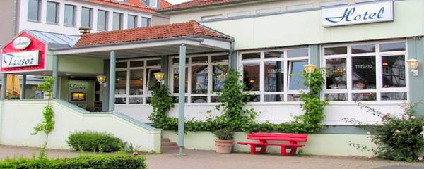 Hotel Restaurant Tresor - Outside