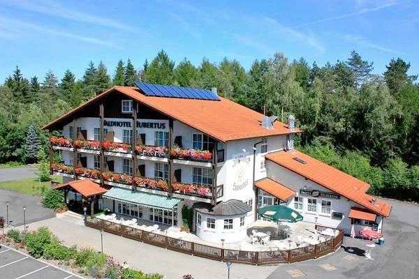 Waldhotel - Rasthof Hubertus - pogled od zunaj