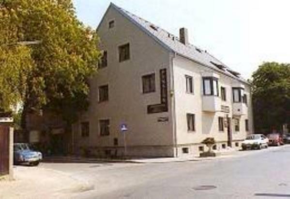 Pension Monteurzimmer Kronberger-Haus Oberlaa - Exteriör