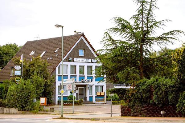Hotel-Restaurant Zur Brücke - Outside