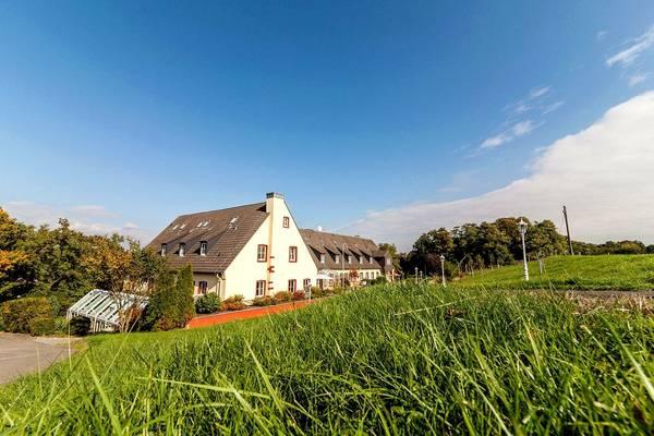 Landhotel Kauzenburg - Aussenansicht