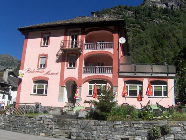 Hotel Ristorante-Pensione Monaci - Vista externa
