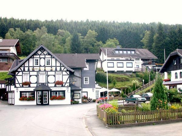 Hotel Zum Dorfkrug - Outside