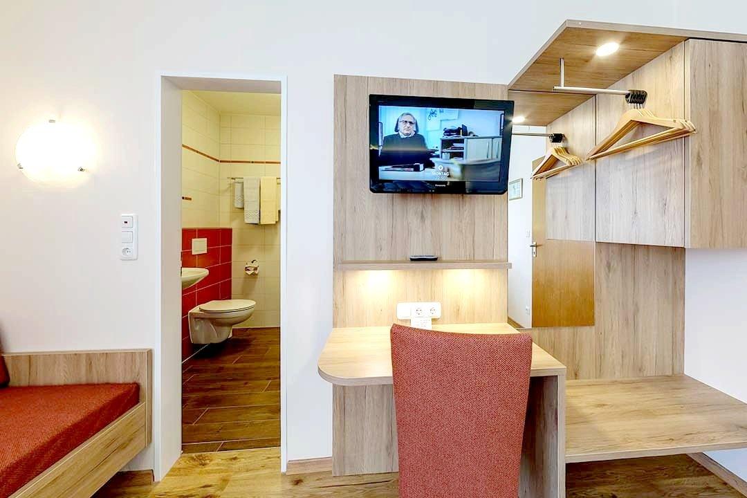 hotel pension fruth garni 82110 germering. Black Bedroom Furniture Sets. Home Design Ideas