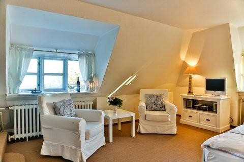 uns to hus hotel garni in 25999 kampen auf sylt deutschland. Black Bedroom Furniture Sets. Home Design Ideas