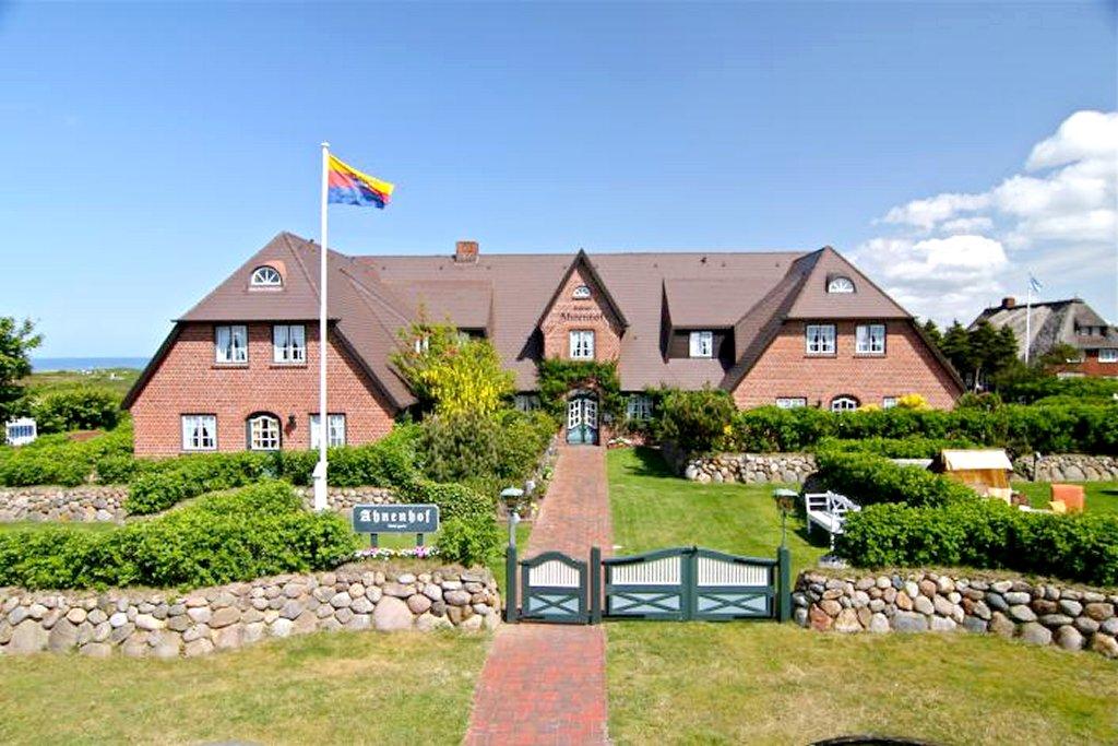 hotel garni ahnenhof in 25999 kampen auf sylt deutschland. Black Bedroom Furniture Sets. Home Design Ideas