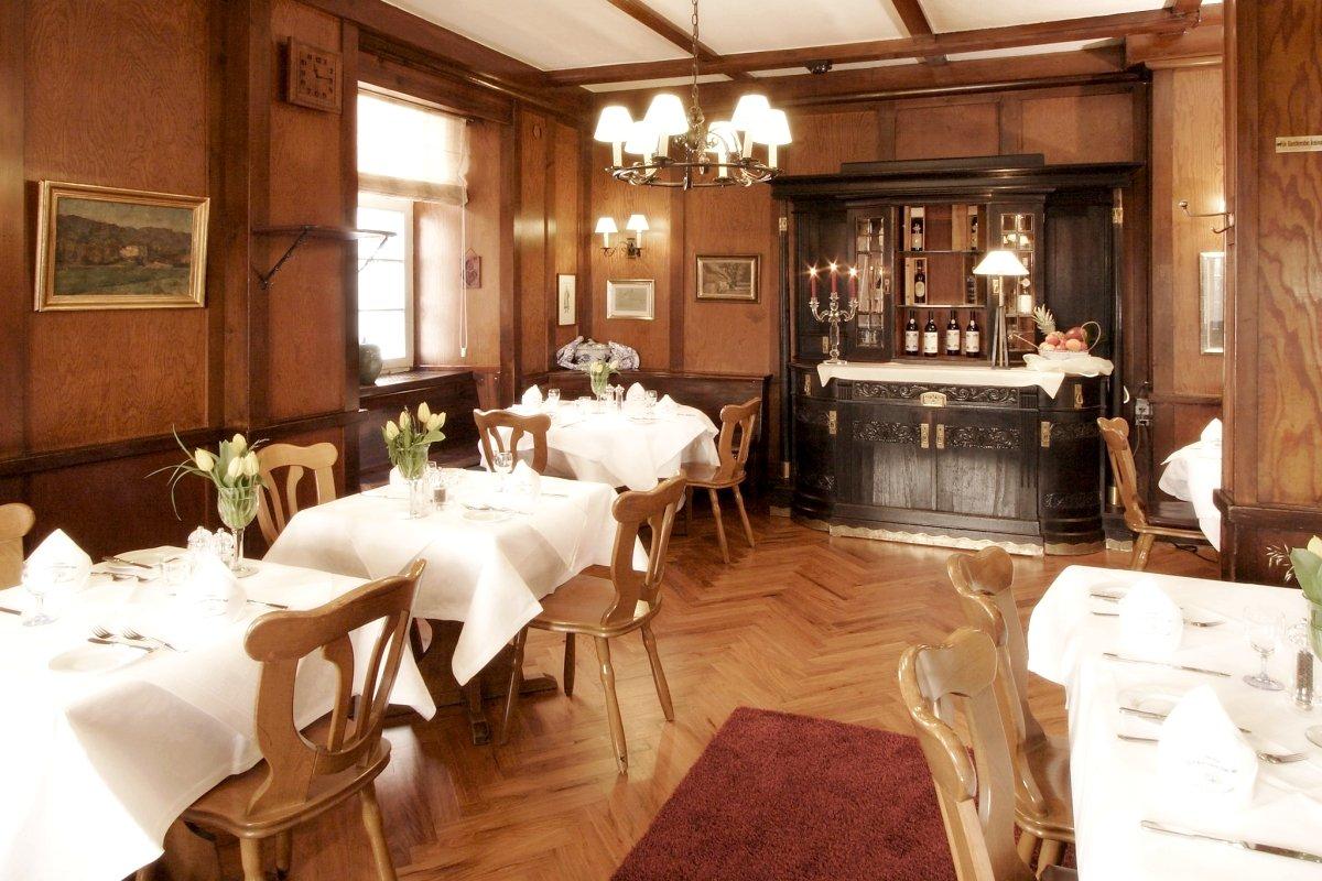 hotel schwarzw lder hof badische winzerstube in 79098 freiburg im breisg. Black Bedroom Furniture Sets. Home Design Ideas