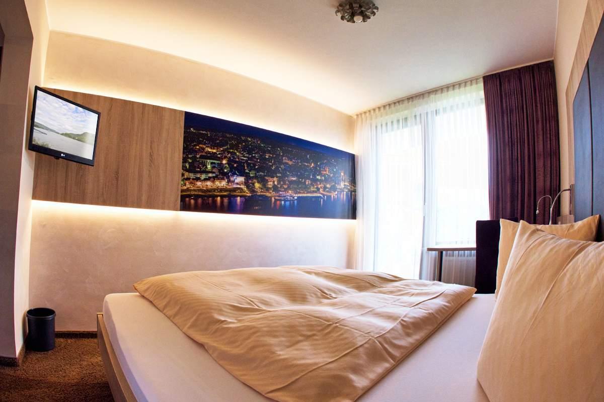 VILLA AM RHEIN HOTEL & RESTAURANT in 56626 Andernach am Rhein ...